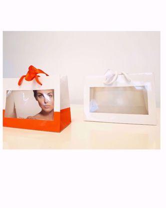 Afbeeldingen van Geschenk tassen en cadeautasjes, (witte linten )direct uit voorraad leverbaar